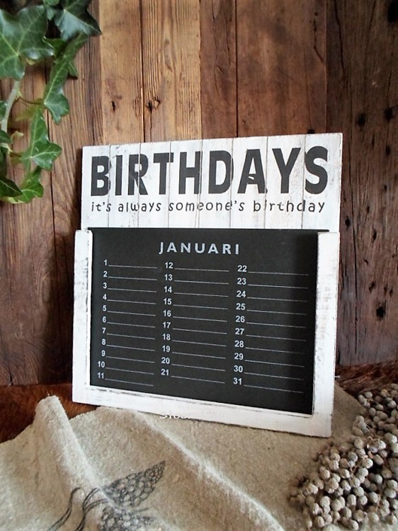 Kalender Birthdays antique white